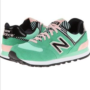 NEW BALANCE WOMENS 574 SHOE IN GREEN / PINK SZ 8.5